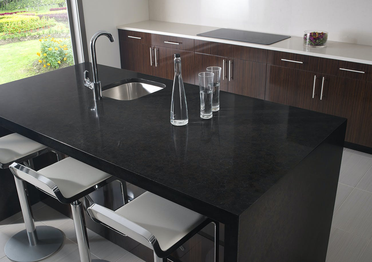 Silestone Quartz Countertops For Kitchens : Black silestone kitchens